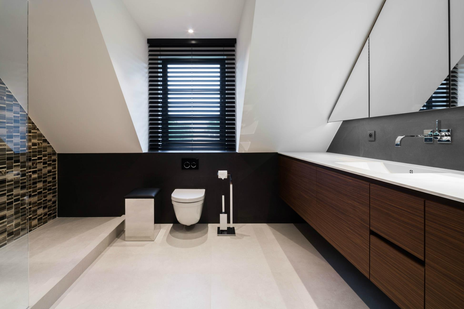 renov management r novation int rieure r novation salle de bain r novation plafond et. Black Bedroom Furniture Sets. Home Design Ideas