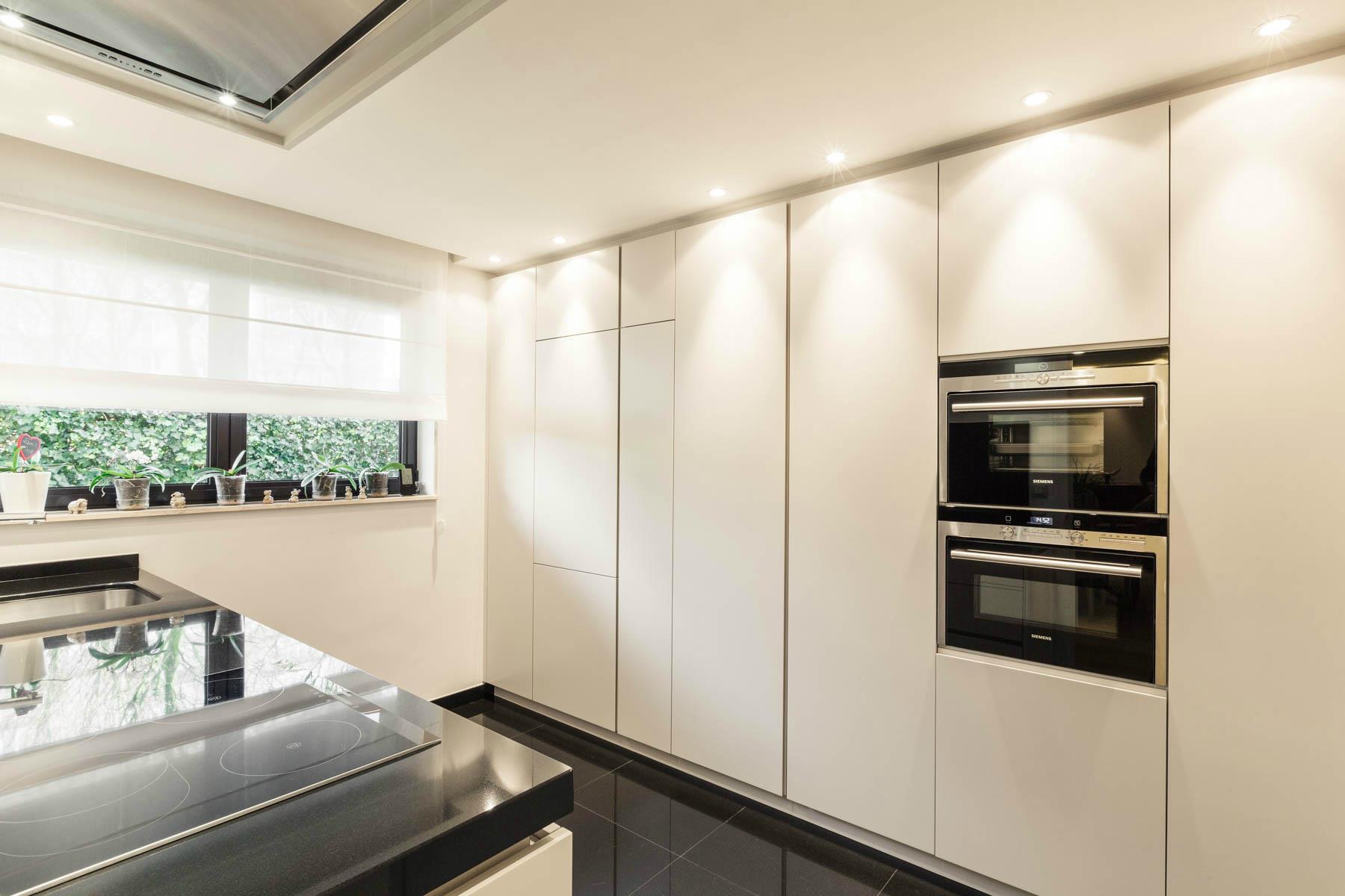 Renovation cuisine bruxelles r alisations renov management for Cuisine architecture